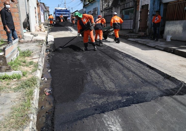 David Almeida vistoria ações do 'Pacote de Obras de Inverno' na zona Leste