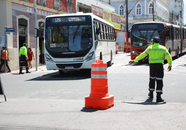 Linhas de ônibus retornam de forma gradual em Manaus