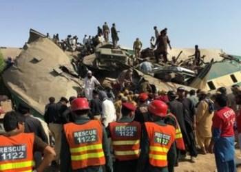 Acidente de trem deixa pelo menos 36 mortos no Paquistão