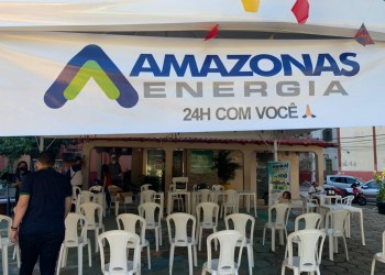 Amazonas Energia leva atendimento itinerante e cestas básicas ao bairro Raiz