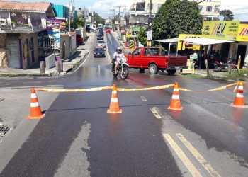 Prefeitura de Manaus interdita rua do bairro São Francisco para obra emergencial
