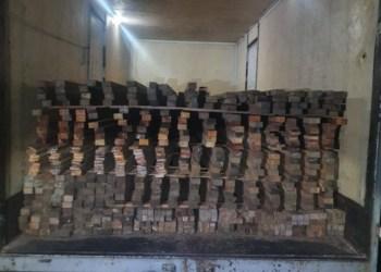 Batalhão Ambiental apreende caminhão-baú com madeira serrada na zona centro-oeste de Manaus