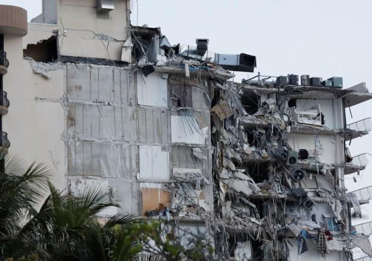EUA concluem demolição de edifício que desabou na Flórida