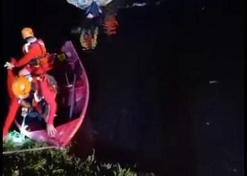 Bombeiros encontram corpo de 2º adolescente desaparecido em igarapé de Manaus