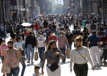 Covid-19: Brasil registra 28 mil novos casos e 698 óbitos em 24 horas