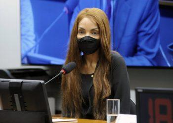 Flordelis: Justiça mantém prisão após audiência de custódia