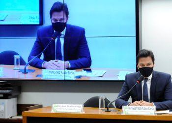 Ministro das Comunicações discute 5G com deputados na Câmara