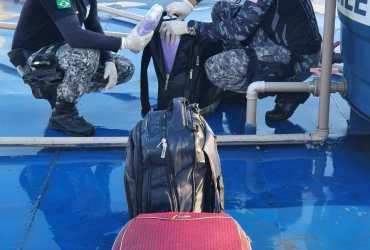 Base Arpão apreende mais de 40 quilos de entorpecente em caixa d'água de barco