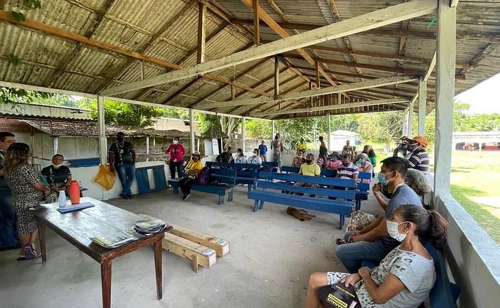 Prefeitura de Manaus entrega bombas submersas para comunidades da RDS do Tupé