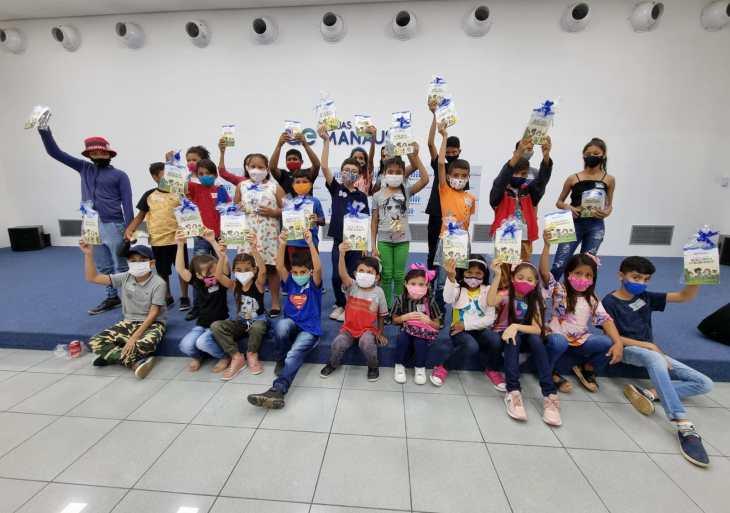"""Em homenagem ao Dia das Crianças, projeto gratuito """"Cinema infantil"""" retorna às atividades recebendo crianças da zona Leste de Manaus"""