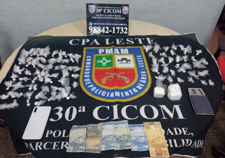 No bairro Jorge Teixeira, PMAM prende dois por envolvimento com tráfico de drogas