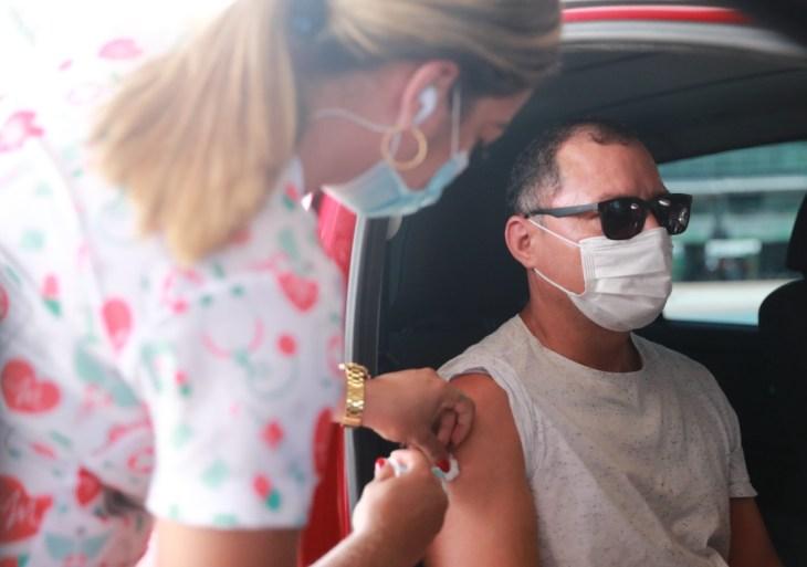 Vacina Amazonas: dose de reforço contra a Covid-19 é ampliada para profissionais de saúde a partir de 40 anos