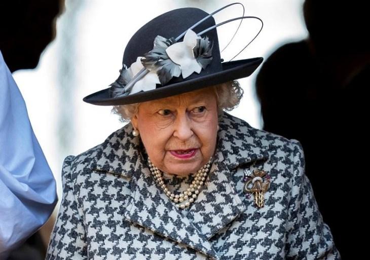 """Rainha Elizabeth II entra """"na mira"""" de ativistas ambientais"""
