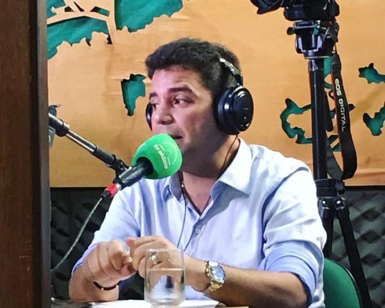 Cameli  chamou os médicos para a briga; ameaça chamar formados na Bolívia para trabalhar