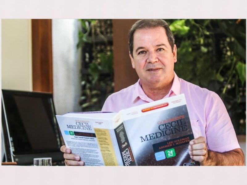 Quatro meses após deixar o governo, Tião Viana leva a vida como médico e professor na Ufac