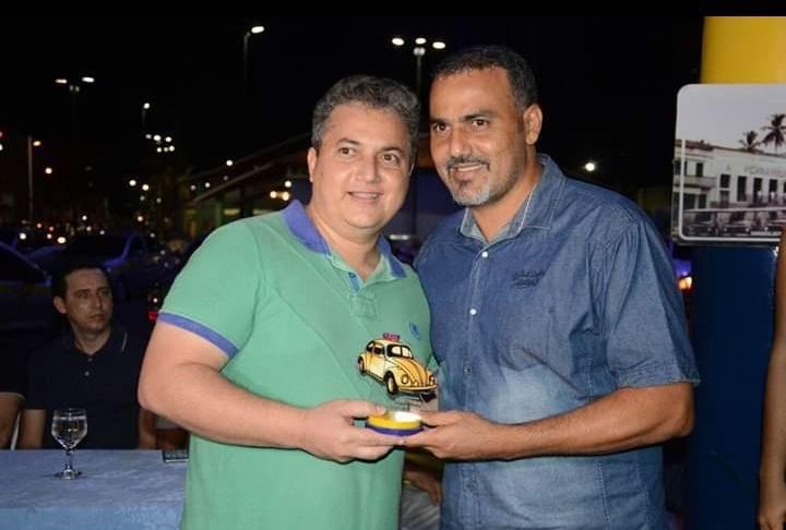 No dia do seu aniversário, irmão do prefeito Ilderlei Cordeiro ganha uma CEC-7 de presente do amigo Gladson