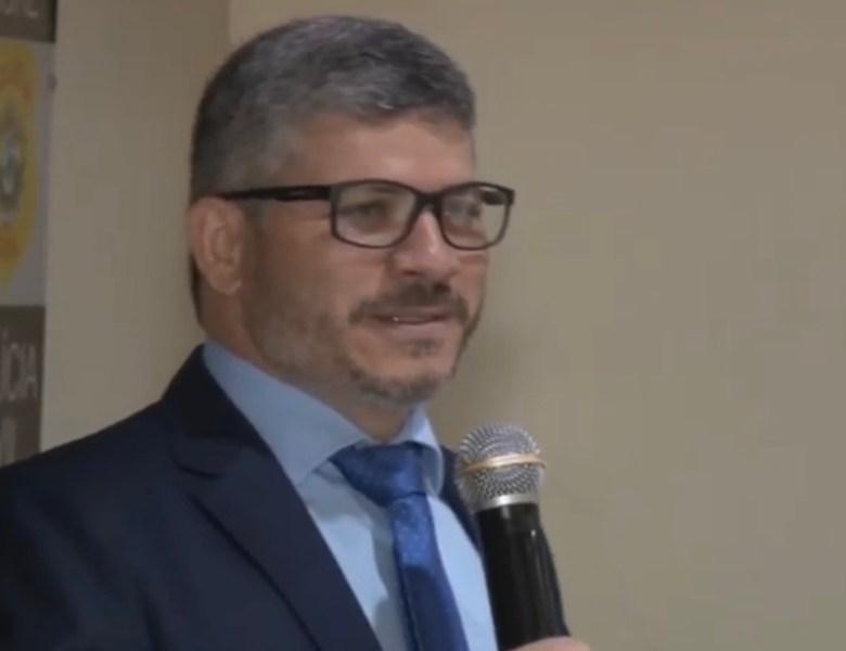 Presidente da Associação dos Delegados é transferido para Brasileia; medida enfraquece a categoria