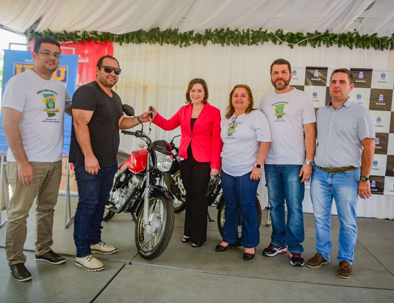 Socorro Neri entrega premiação das campanhas IPTU Em Dia e Nota Fiscal Premiada