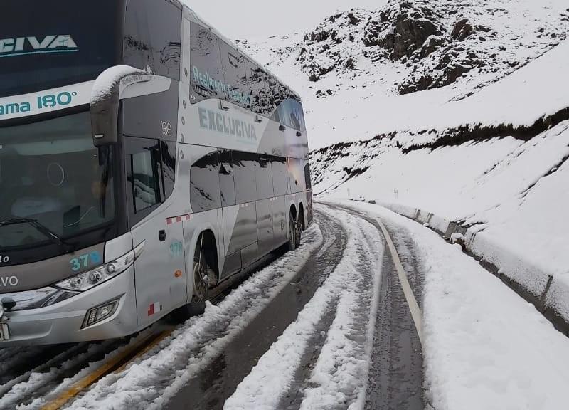 Acreanos ficam retidos na descida da Cordilheira dos Andes por causa da neve