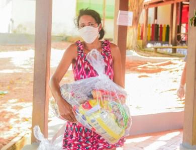 Prefeitura de Rio Branco inicia distribuição de kits de merenda escolar a alunos da rede municipal