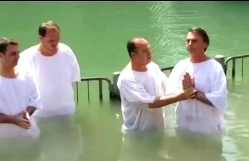 Pastor Everaldo, um dos chefes do esquema de Witzel, batizou Bolsonaro no Rio Jordão
