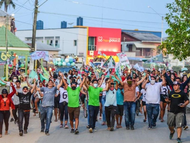 Tarauacá: multidão recepciona Chagas Batista com passeata