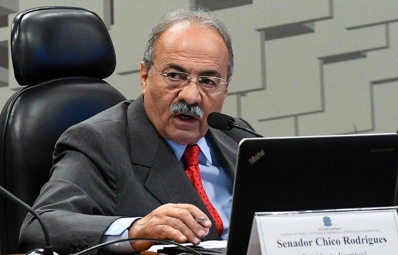 PF encontra dinheiro escondido nas nádegas do vice-líder do governo no Senado, diz Crusoé