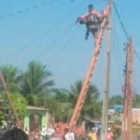 Homem fica grudado em poste após choque elétrico em Parintins