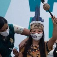 Enfermeira indígena é a 1ª a ser vacinada contra a Covid-19 no Amazonas