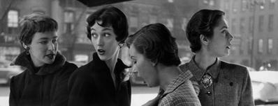Gordon Parks: Modelle con taglio di capelli alla garçonne, New York, 1949 © The Gordon Parks Foundation