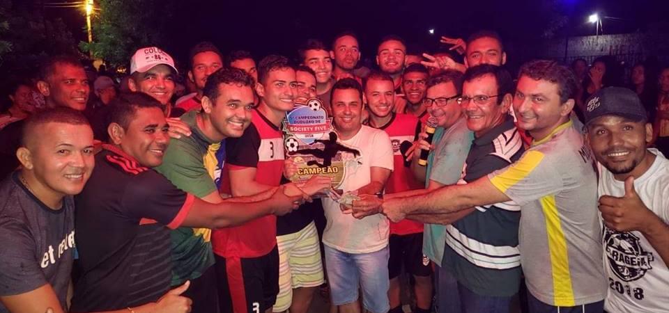 Arquimedes participa do encerramento de campeonato esportivo em Afonso Cunha