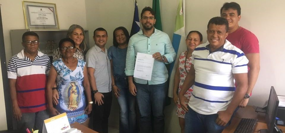 Presidente da Câmara de Coelho Neto recebe comissão de servidores da educação