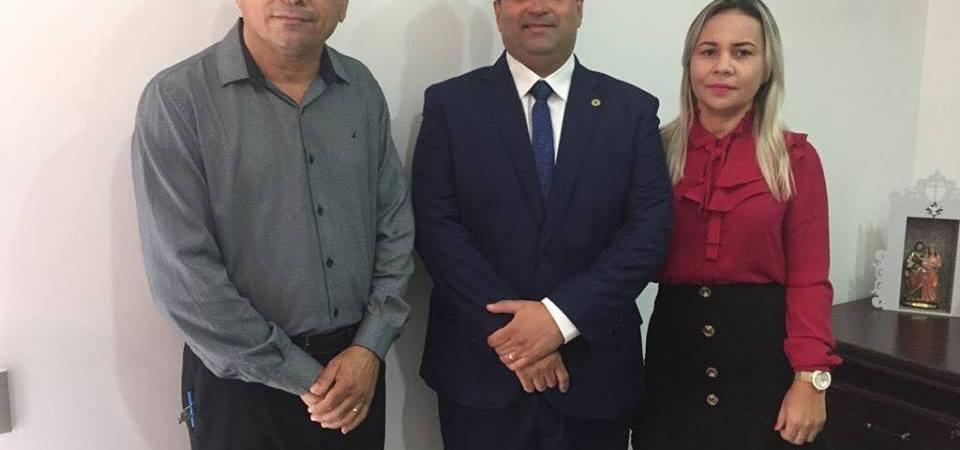 Antônio Pires e Liza Pires prestigiam posse de deputados maranhenses