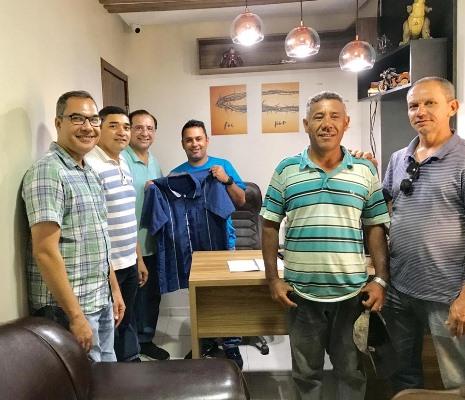 Prefeito de Afonso Cunha visita conclusão de templo da Igreja Batista e recepciona delegação de evangélicos americanos