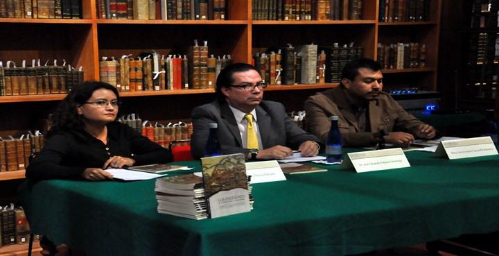 """Presentan libro """"Los Orígenes de la Universidad de Guanajuato"""""""