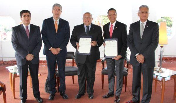Firma UG acuerdo para favorecer movilidad académica con la Universidaddel Estado de Río de Janeiro