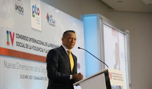 Imparte conferencia Rector General UG en Congreso Internacional vs. delincuencia