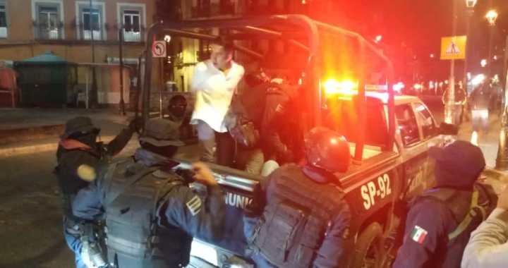 Abogados y custodios detenidos por insultar a policías