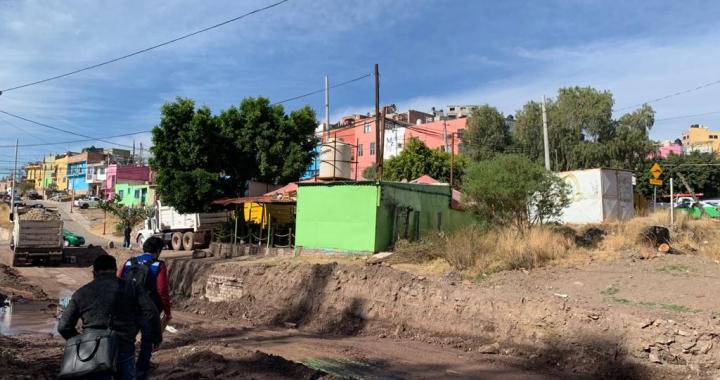 Buscan liberar ex vías del tren de asentamientos humanos
