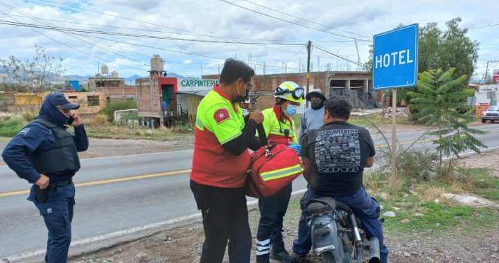Resultan dos motociclistas heridos en accidentes