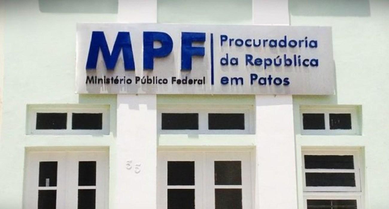 PREFEITO E MAIS OITO SÃO ALVOS DE AÇÃO DE IMPROBIDADE ADMINISTRATIVA