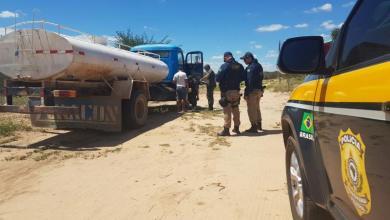 Operação Água Limpa apreende 4 mil litros de querosene de avião em carro-pipa 8
