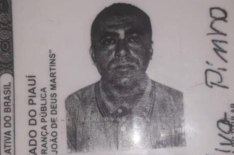 PM prende suspeito de tentar matar a própria mãe a golpes de foice em Teresina 2