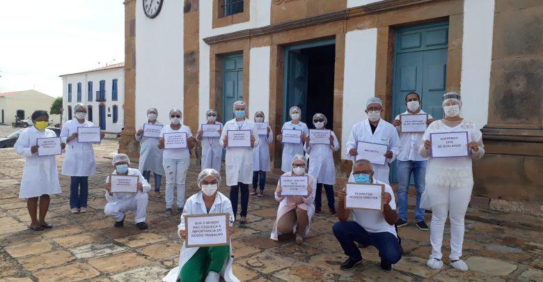 Servidores públicos da rede municipal de saúde de Oeiras se manifestam por reajuste salarial 1