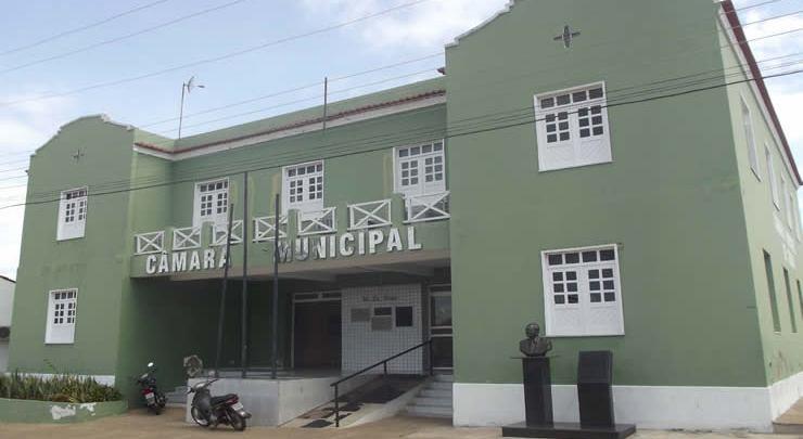 Câmara de vereadores de Oeiras emite nota de pesar pelo falecimento do deputado Assis Carvalho 1