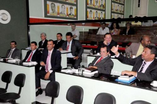 Vereadores-de-Itaberaba-durante-sessão-na-Câmara-FOTO-Divulgação-Facebook-500x332
