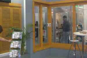 janela-de-correr-90-graus-eucalipto-esquadrias-de-madeira-luxo