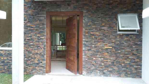 Porta de Madeira de Demolição - Peroba Rosa - Porta de entrada Pivotante