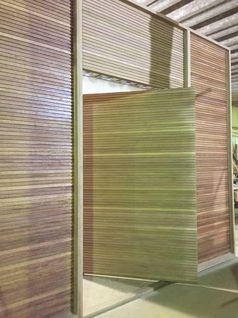Porta pivotante especial tamanho extra grande - produto sob medida - madeira: Cedro Arana