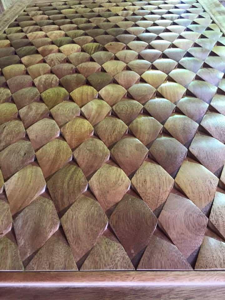 Porta de entrada - Alto padrão - Madeira - Escamas - Escamada